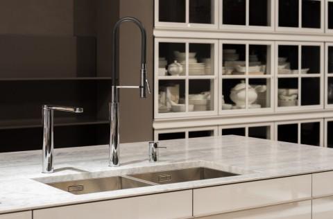 Bathroom stone faucet